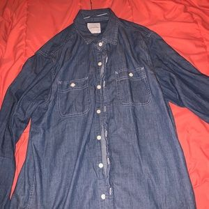 American Eagle Jean like button down shirt